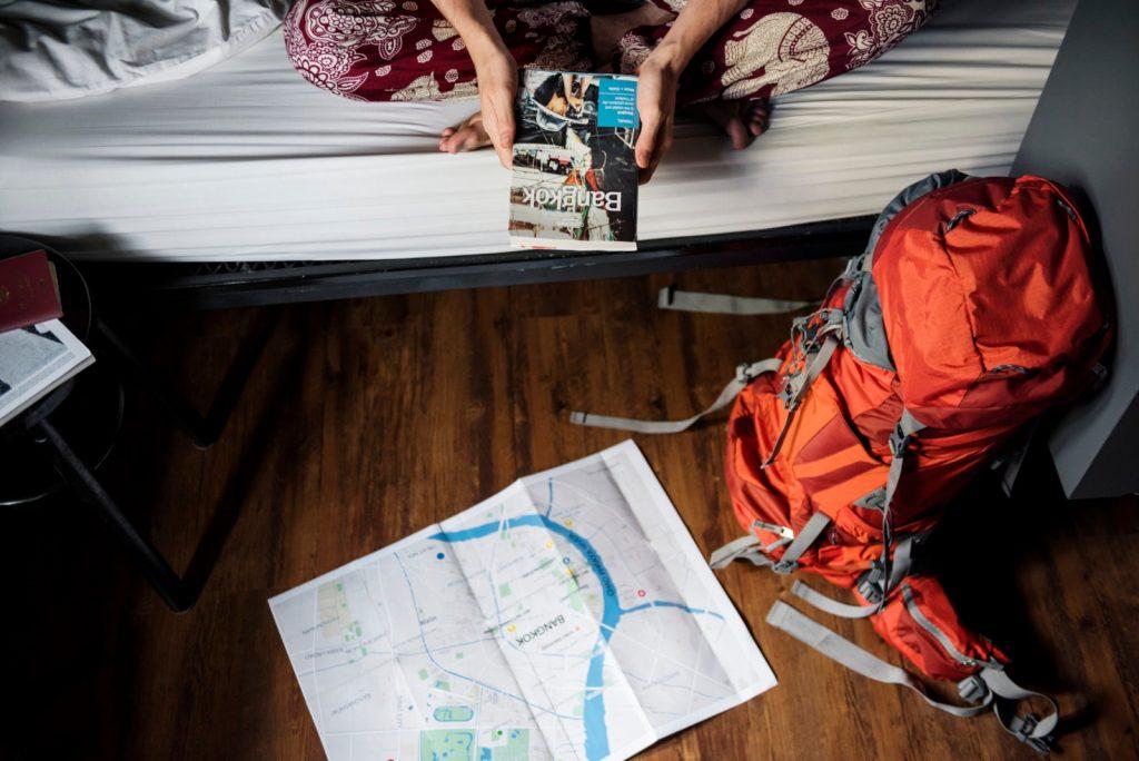 e225a76afb4 Dertil vil man typisk købe en day-pack til kortere ture, hvor ens  hovedrygsæk bliver tilbage på hostelet.