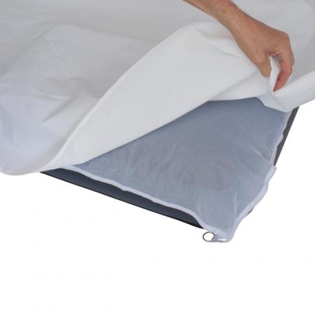 Anti bed bug lagen placeres under dit lagen, sovepose eller tæppe